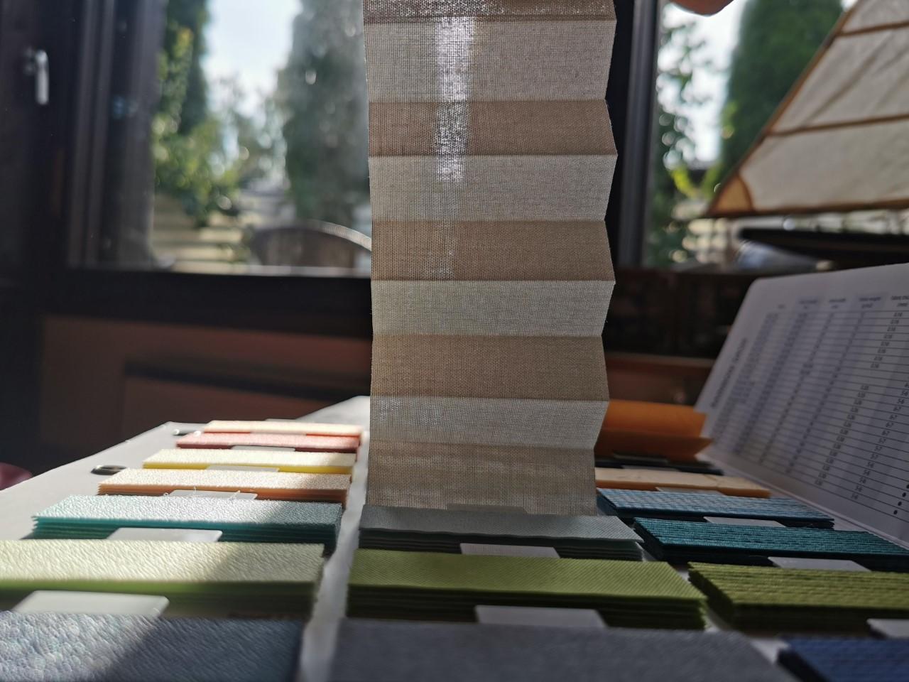 Peru läpinäkyvä plisekangas