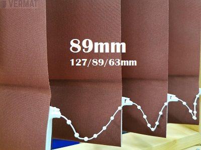 Pystylamellikaihdin 89mm yksivärisellä BER-kankaalla, peittävällä kankaalla - Pystylamellikaihtimet halvalla vermat.fi verkkokaupasta omalla mitalla